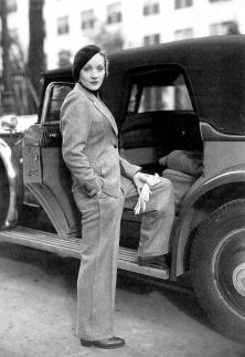 marlene-dietrich-ici-en-janvier-1933-contribua-a-erotiser-le-pantalon
