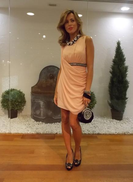 Vestido de fiesta de corte romano