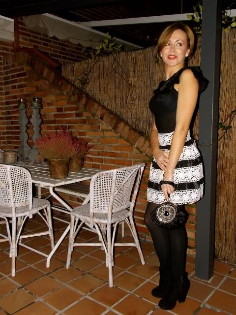 Combinar falda con botín