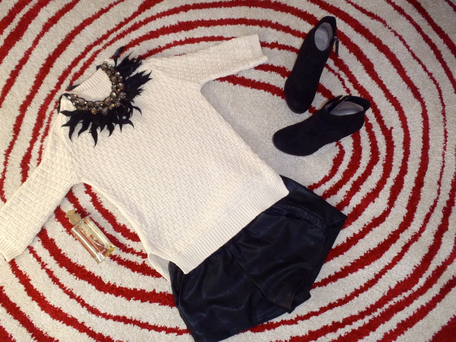 Total look black and white